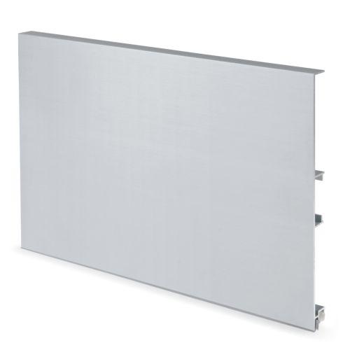 Zócalo liso de aluminio de 14,5 o 16,5 cm.