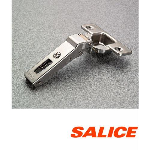 Bisagras SALICE ala inclinada de Ø35mm sobre el costado Apertura 94º Serie 200