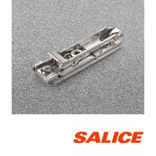 Bases rectas clip DOMI regulación frontal excéntrica para bisagra Salice