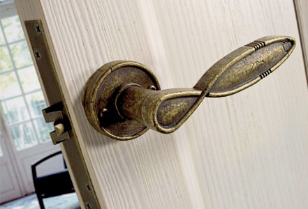 Rosetas y manillas puertas linea rústica